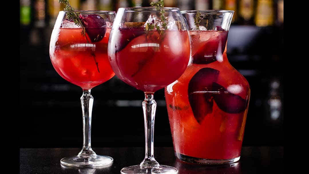 COCKTAILS TO SPRUCE UP YOUR FESTIVE SEASON