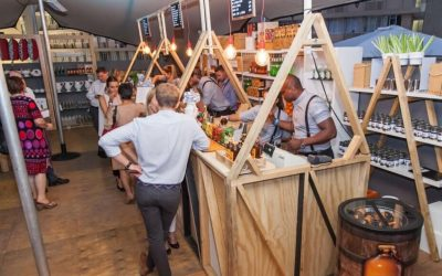 4 reasons why a mobile bar service is the perfect solution for your year-end function