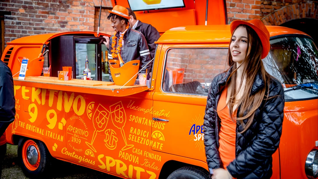WHY YOUR NEXT EVENT SHOULD INCLUDE APEROL SPRITZ
